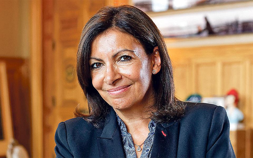Anne Hidalgo: mais uma espanhola interessada no trono de França