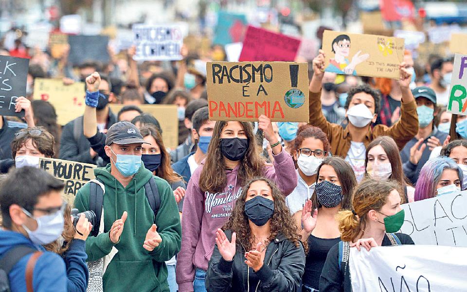 """PR e Governo pedem """"tolerância zero"""" face a ameaças racistas"""