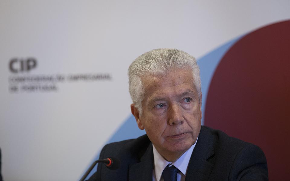CIP propõe 'bazuca' de três mil milhões