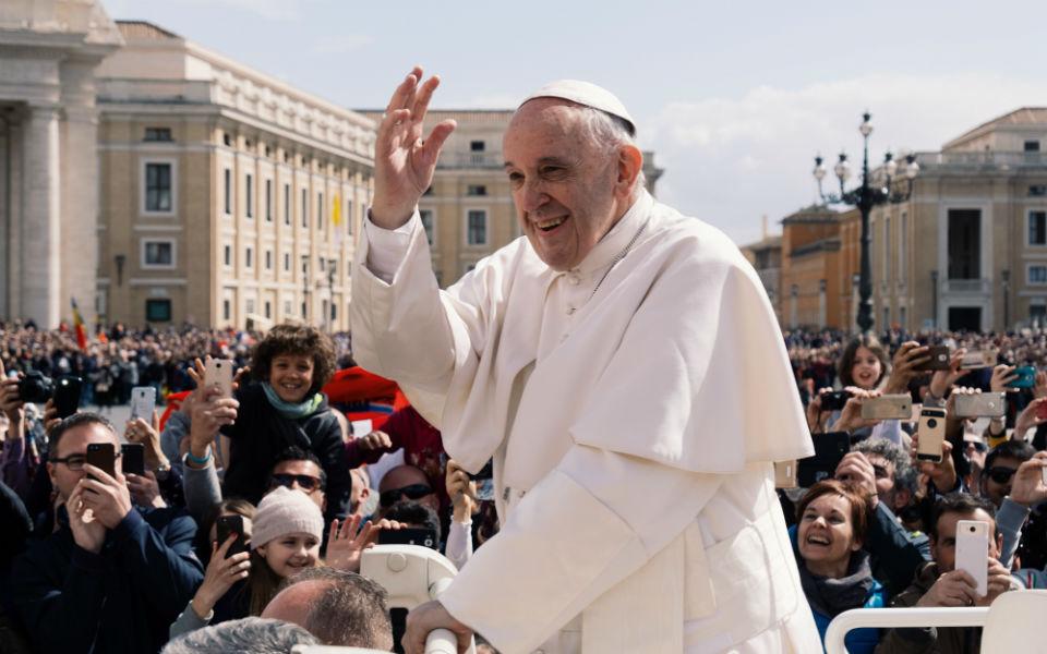 Papa Francisco vai encontrar-se com o aiatola iraquiano xiita