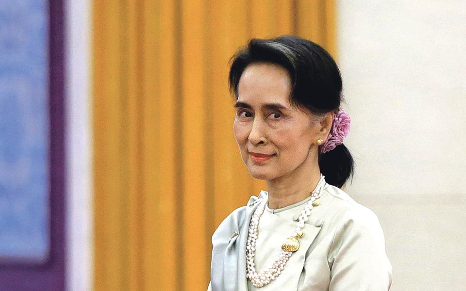 Aung San Suu Kyi: Trabalhos  e paixões de uma antiga Prémio Nobel da Paz