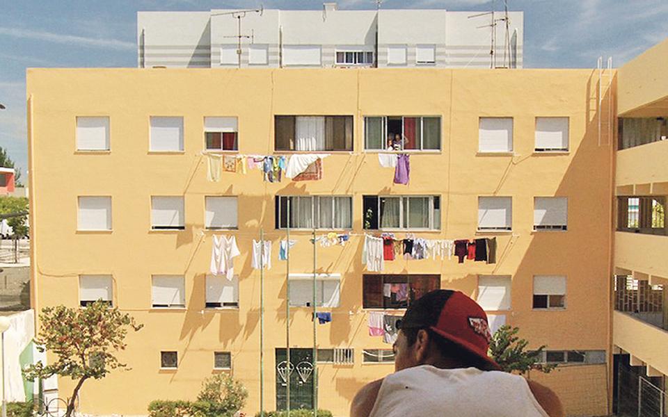 Estamos a construir bairros sem elevador