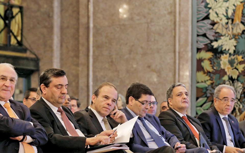Banca contra o desconto da Euribor negativa nos créditos