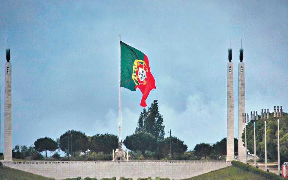 Portugal: Um país à procura  do caminho para  o crescimento