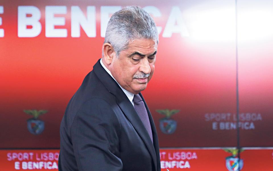 CMVM pede esclarecimentos a sócio de Vieira sobre compra de ações