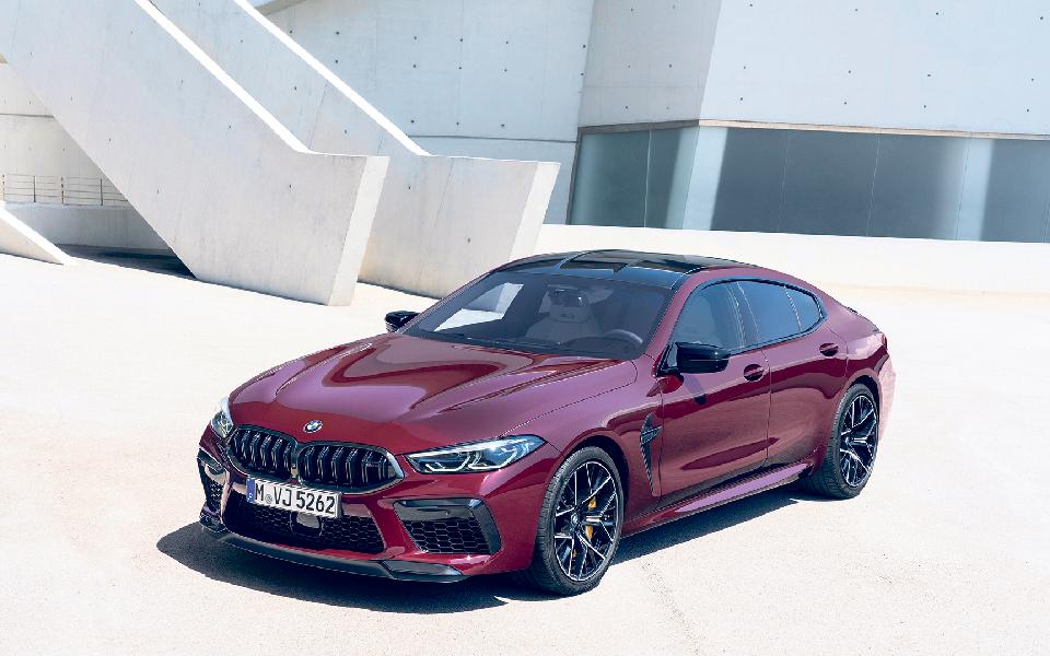 """BMW M8 Competition:  O """"rei da estrada"""" só para alguns"""