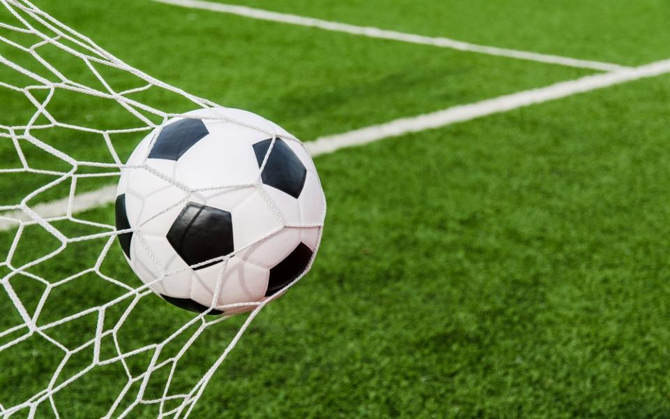Lendas do Futebol Buffon, Iniesta  e Torres:  é disto que se fazem  as estrelas