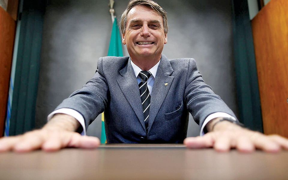 Brasil: Violência nas ruas coloca radicalismo de Bolsonaro mais perto do poder
