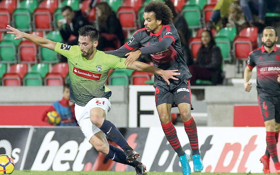 Como a instabilidade rima com insucesso no futebol português