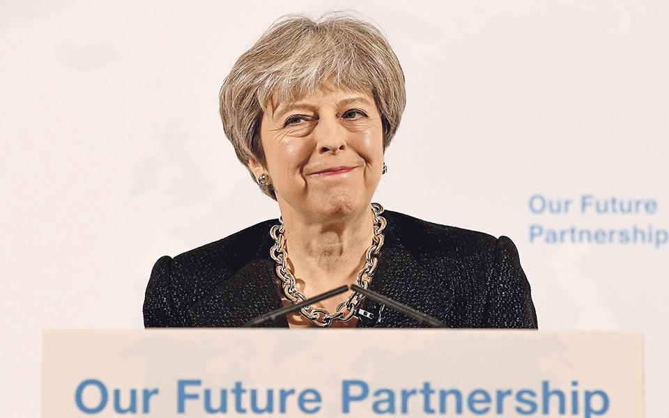 Brexit: acordo ou pacto de não agressão por 21 meses?