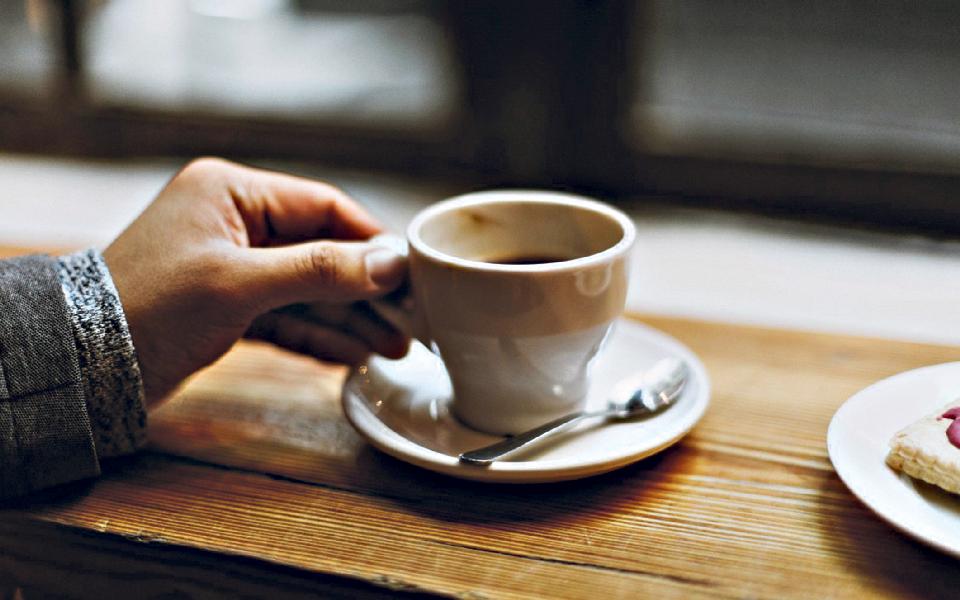 Cafés:  Portas abertas até mais tarde não chegam para adoçar negócio