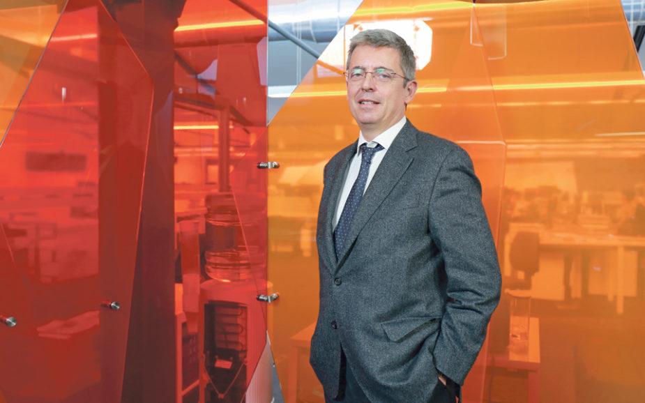 CARLOS LEIRIA PINTO: O banqueiro português nas Américas