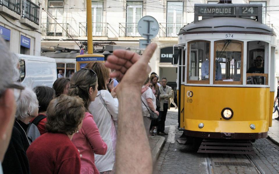 Câmara de Lisboa vai investir 120 milhões na Carris