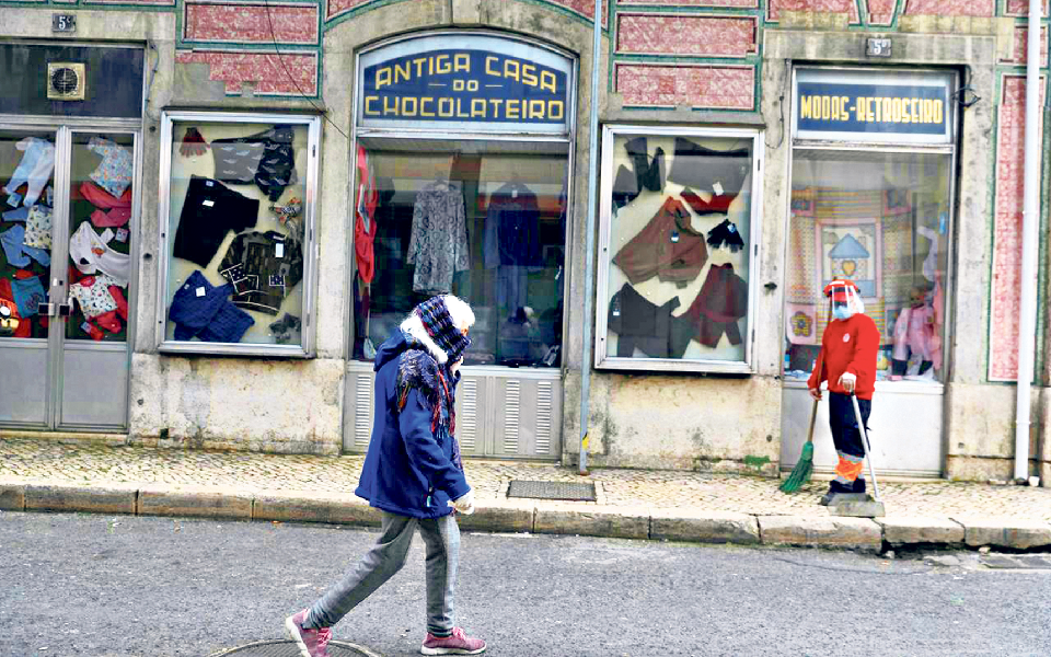 Portugal despede-se do confinamento sem voltar à normalidade