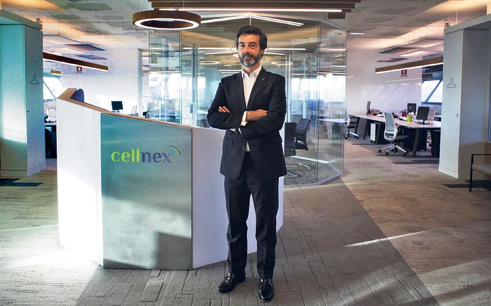 Cellnex planeia mais investimentos em Portugal após compra das torres da NOS