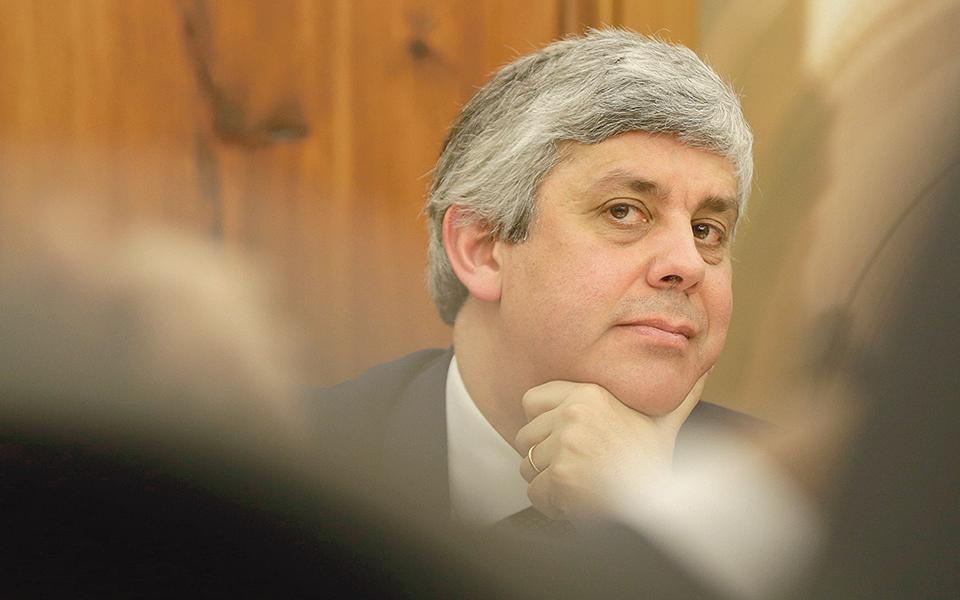 Moody's reviu em alta intervalo de 'rating' de Portugal