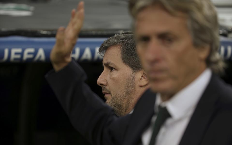 Crise inédita coloca Sporting a um passo do colapso