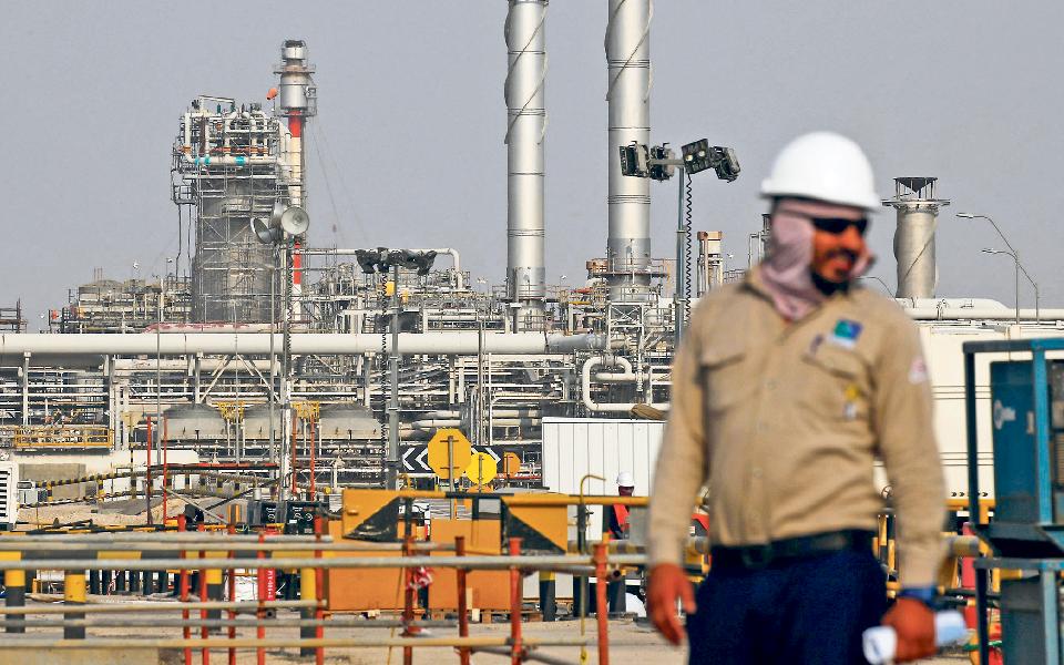 Estados Unidos atestam depósitos com petróleo saudita até 24 de maio