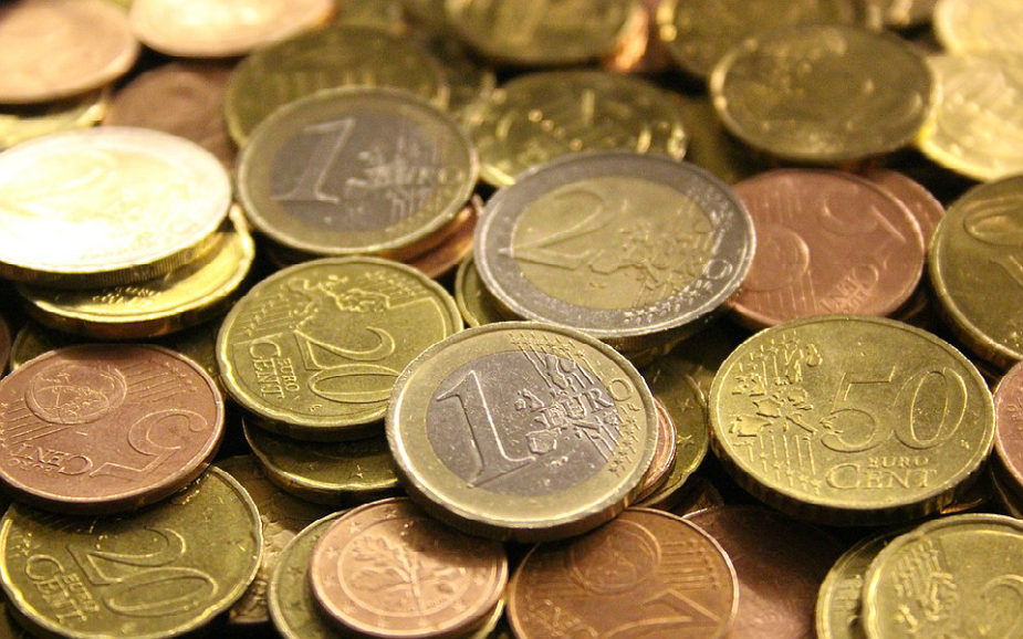 """Poupança continua """"muito abaixo"""" da média da zona euro"""