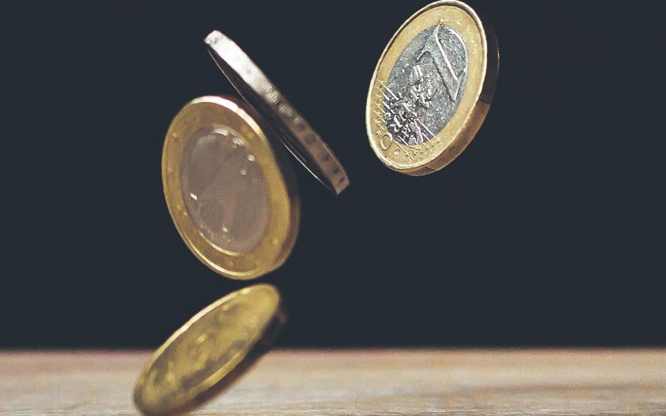 Economistas alertam para risco de crise financeira
