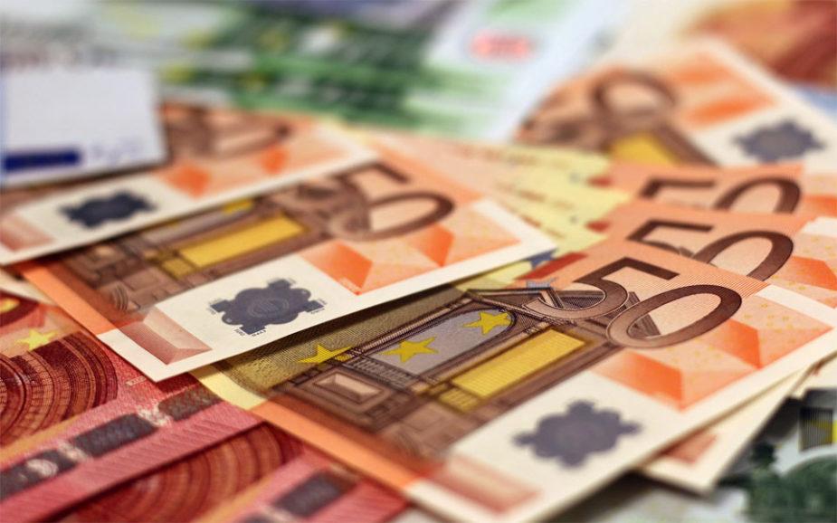 Salário mínimo sobe para 635 euros em 2020