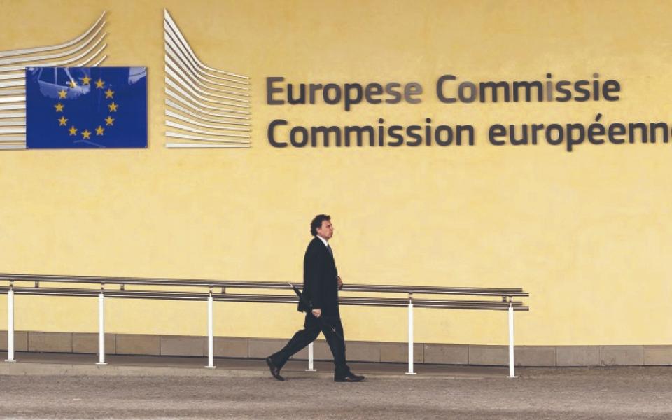 Bruxelas recusa deixar cair Estado de direito no acesso à bazuca europeia