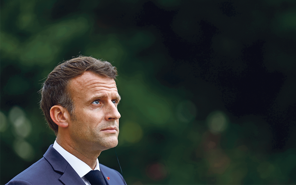 Eleições regionais  francesas deixam em aberto presidenciais de 2022