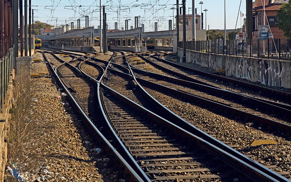 Críticas às opções para a rede ferroviária já chegaram ao PS