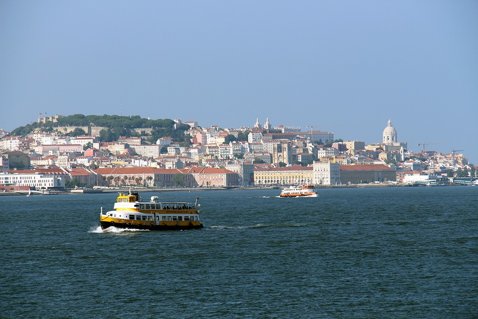 Novo ferry vai pagar um décimo das taxas