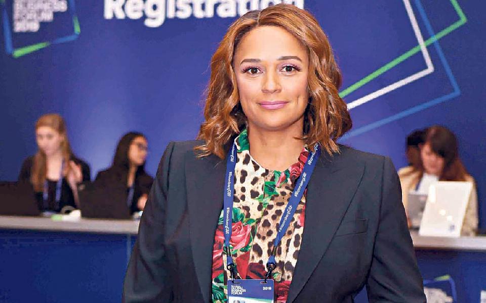 Isabel dos Santos  pede ajuda estatal para rede de lojas Candando