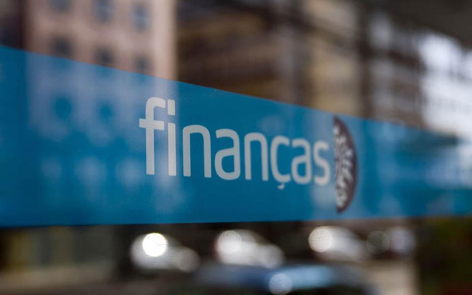 BES e Montepio são únicos bancos com 'apagão' em 3 anos