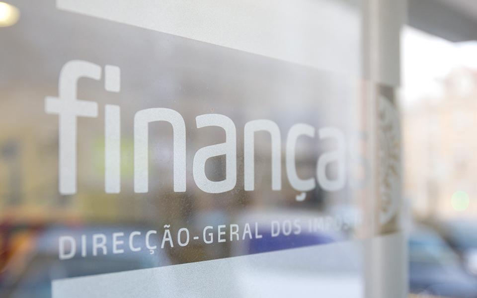 Grandes empresas e fortunas pagam 44 milhões de euros por dia em impostos