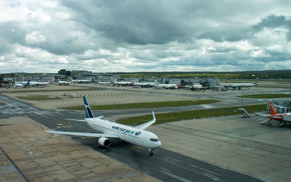 Passageiros com voos cancelados em Gatwick sem indemnização