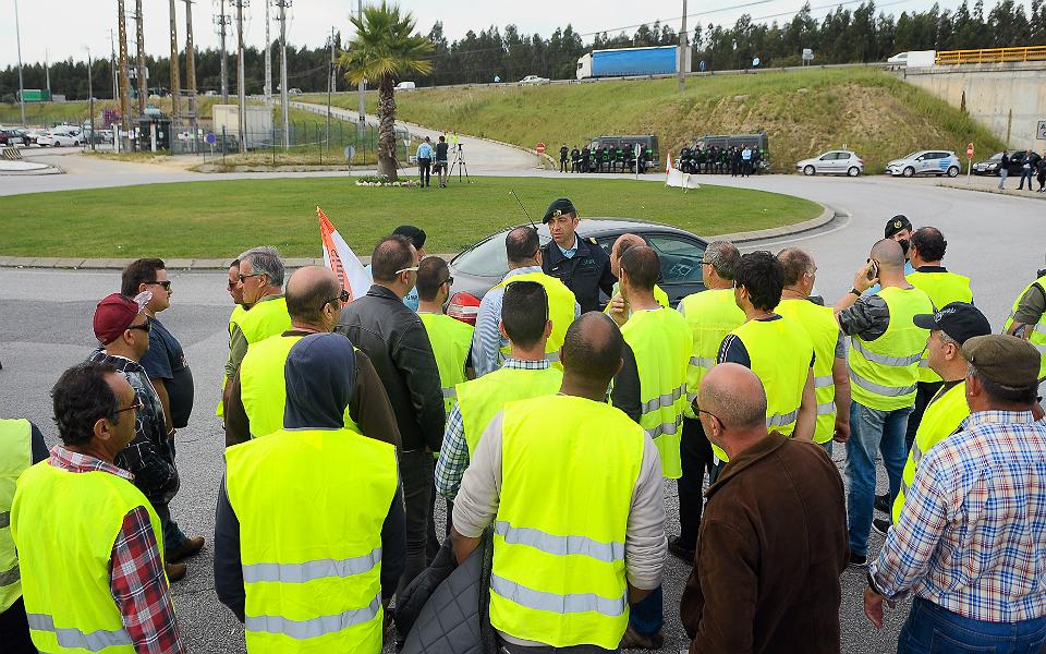 """Governo """"encheu o depósito"""" com a greve dos motoristas"""