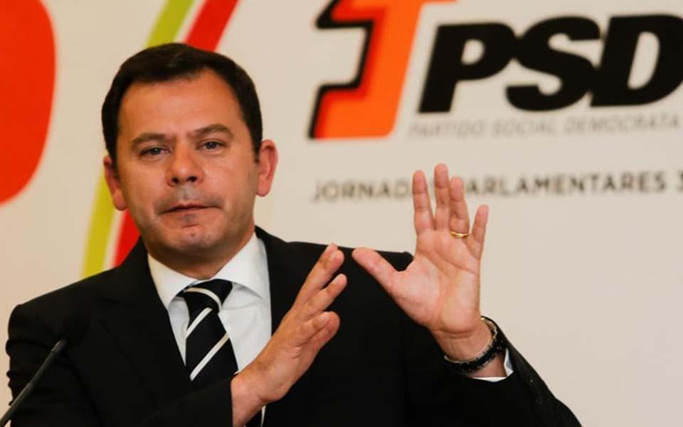 Luís Montenegro exige convocação imediata de eleições diretas a Rui Rio