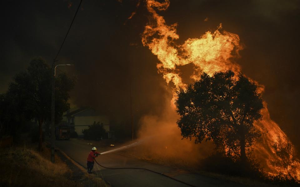 Incêndios já causaram prejuízos de três mil milhões de euros