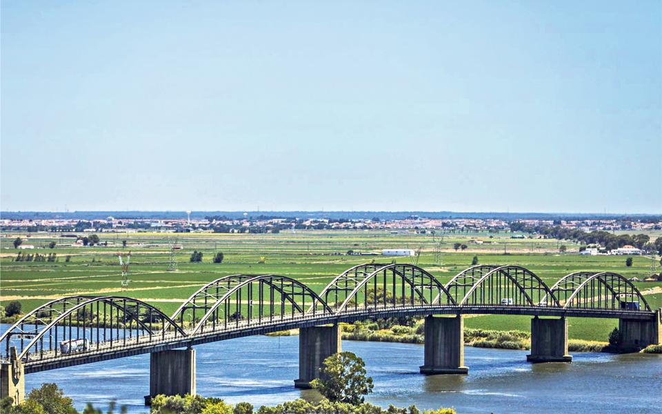 Infrastruturas de Portugal tem quase mil obras  mal conservadas  ou sem inspeção