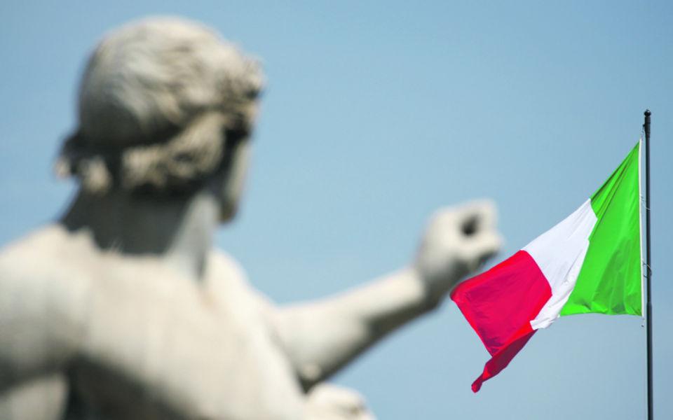 Itália castiga bolsas e nem o euro mais fraco ajudou