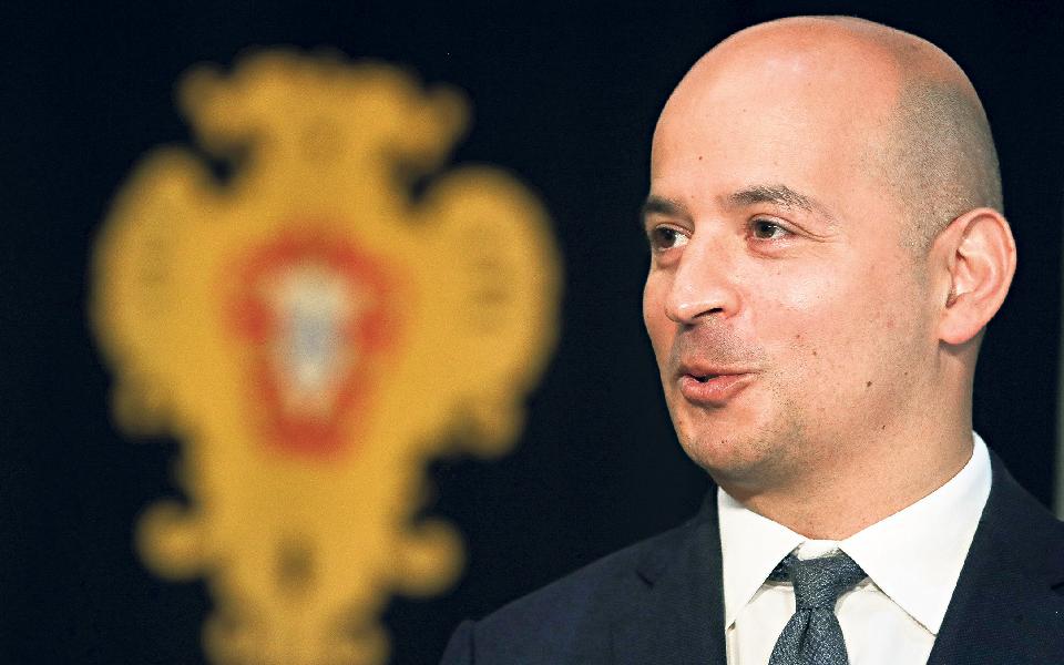 """Analistas vêem como """"otimista"""" a projeção de Leão para défice público de 7% este ano"""