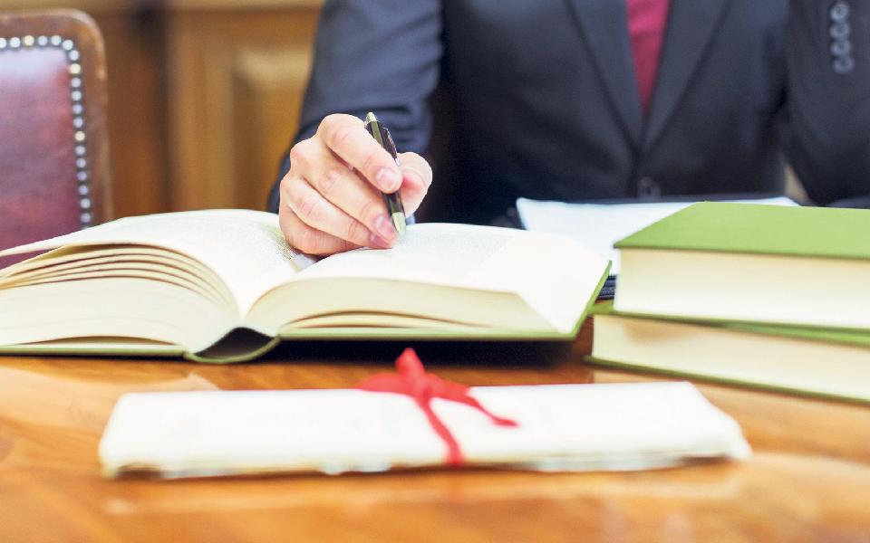 Firmas multidisciplinares dividem advogados