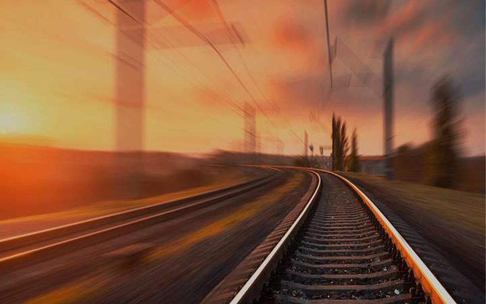 """""""Não é aceitável que  o Algarve e o Alentejo recebam 5,9% do investimento previsto para a ferrovia"""""""