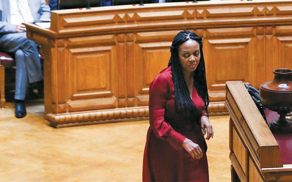 """Oitenta por cento dos deputados chegaram depois da """"troika"""""""