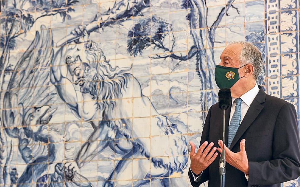 """Presidente abre porta a renovações sucessivas para """"esmagar a curva"""" da pandemia"""