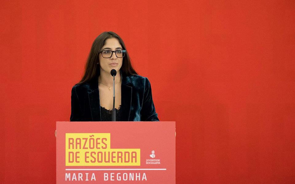 Candidata a líder da JS ganha 110 mil euros em ajustes diretos