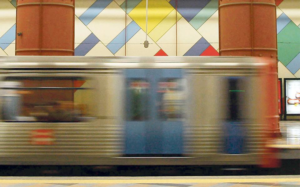 Compra de 14 comboios arranca no segundo semestre