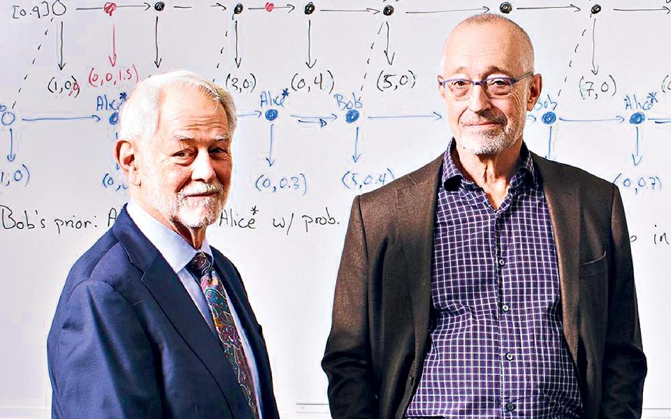 Robert wilson e Paul Milgrom: Os economistas  que arrebataram  o  Nobel através  de leilões