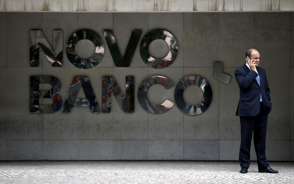Bruxelas atrasa fecho de venda do Novo Banco