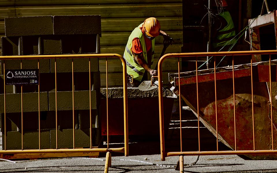 Construtoras espanholas ganham mais de 80% das grandes obras públicas