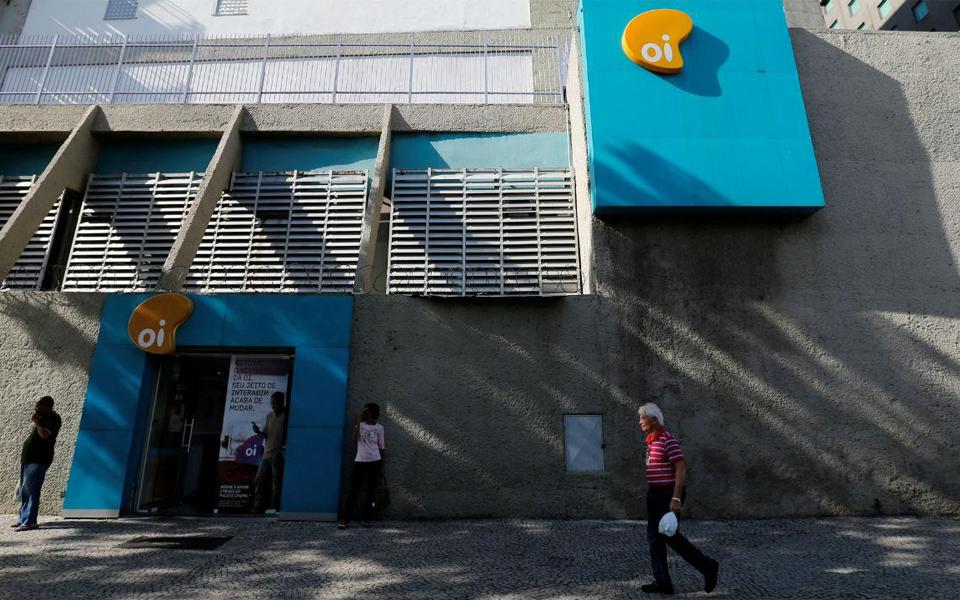 """800 gestores da Oi querem bónus após """"sorte grande"""" na venda da Unitel"""