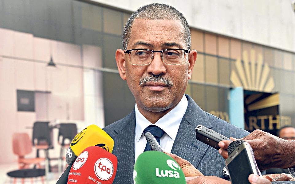 """""""Angola vai criar uma Bolsa de Diamantes"""""""